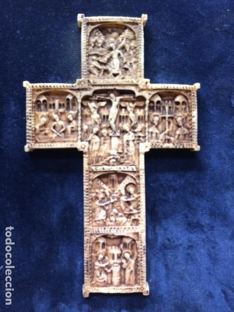 Antigüedades: CRUZ TALLA EN BAJO-RELIEVE ENMARCADO. RESINA O SIMILAR- RICO DETALLE. - Foto 2 - 176270017