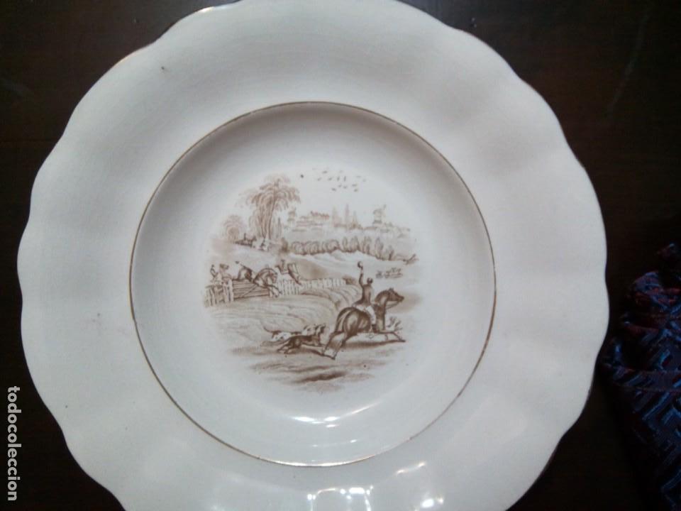 * PLATO PICKMAN SERIE CAZA. (RF:13 /C) (Antigüedades - Porcelanas y Cerámicas - La Cartuja Pickman)