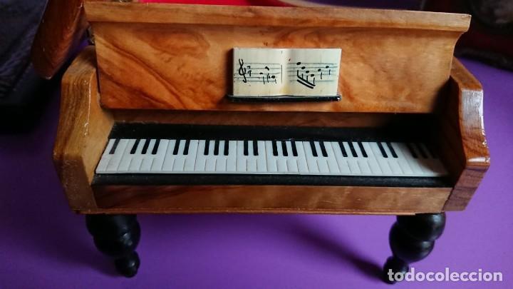 Antigüedades: CAJA JOYERO MUSICAL DE MADERA EN FORMA DE PIANO - Foto 5 - 139668302