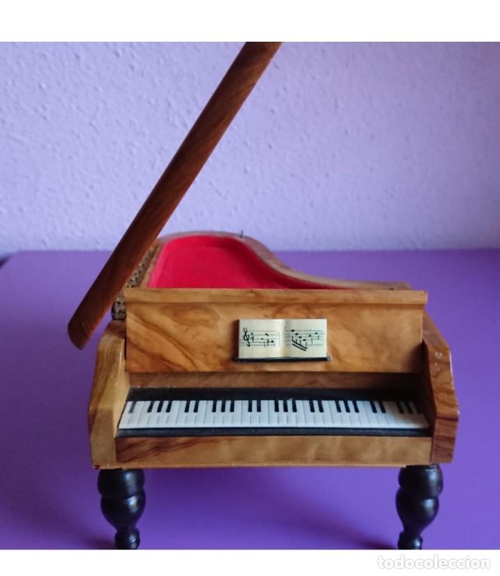 CAJA JOYERO MUSICAL DE MADERA EN FORMA DE PIANO (Antigüedades - Hogar y Decoración - Cajas Antiguas)