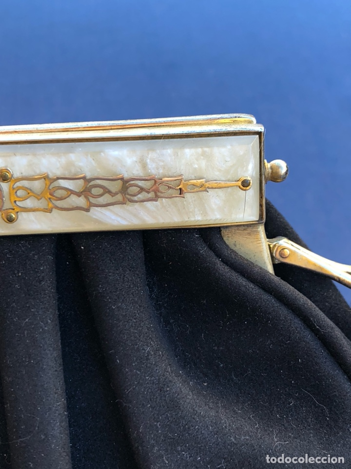 Antigüedades: Precioso bolso de fiesta antiguo, cierre de nácar - Foto 3 - 139706349