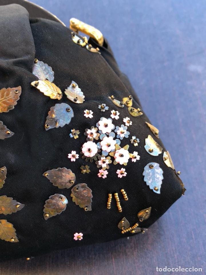Antigüedades: Precioso bolso de fiesta antiguo - Foto 4 - 139706720
