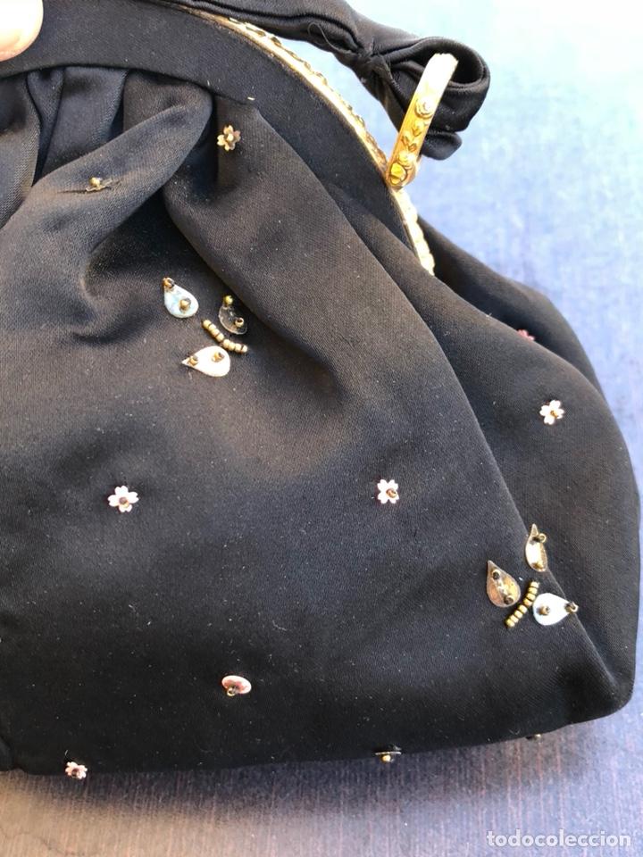 Antigüedades: Precioso bolso de fiesta antiguo - Foto 7 - 139706720