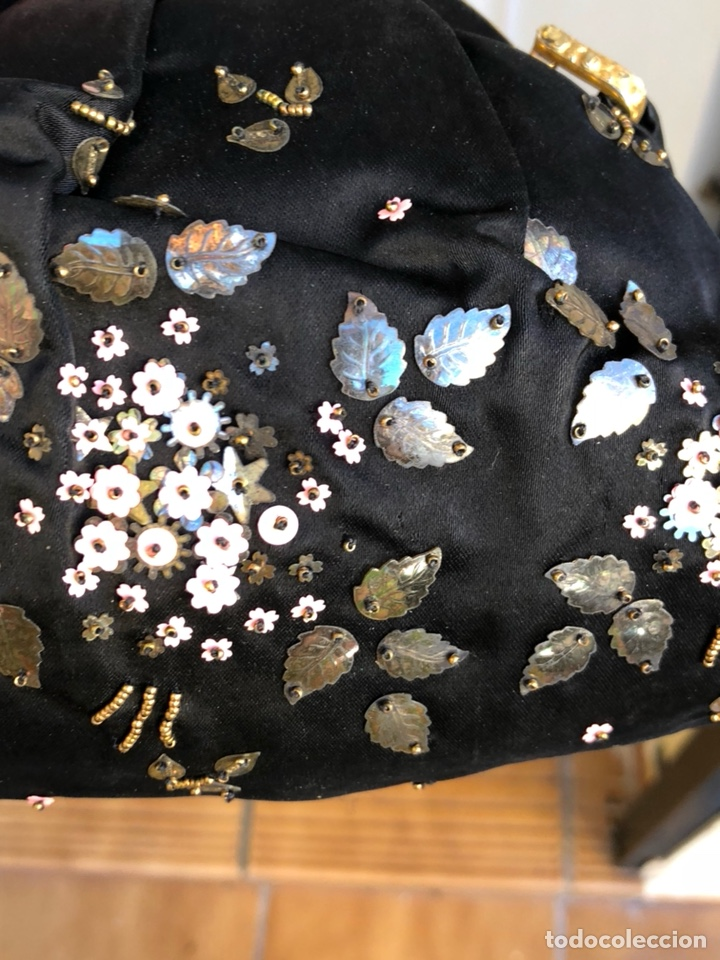 Antigüedades: Precioso bolso de fiesta antiguo - Foto 8 - 139706720