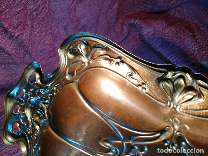 Antigüedades: PRECIOSA BANDEJA - VACIABOLSILLOS --BRONCE COBREADO AL MERCURIO MODERNISTA ORIGINAL - Foto 25 - 139749334