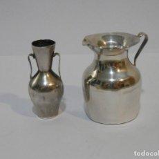 Antigüedades: 2 PEQUEÑOS JARROS, JARRAS, PALILLERO, PLATA CON CONTRASTES, 5 CM DE ALTO APROX.. Lote 139769382