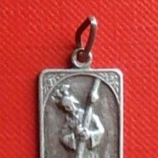 Antigüedades: MEDALLA RELIGIOSA ANTIGUA NUESTRO PADRE JESÚS DEL GRAN PODER SEVILLA PLATA / 14 X 20 MM. Lote 139770810