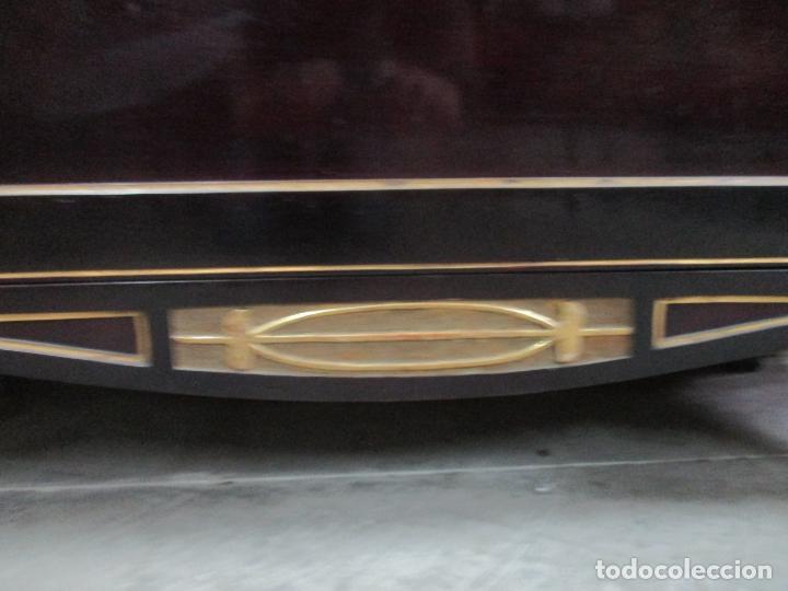 Antigüedades: Mueble Recibidor Modernista - Joan Busquets - Banco, Consola - Madera de Caoba Dorada - Gran Espejo - Foto 4 - 139784326