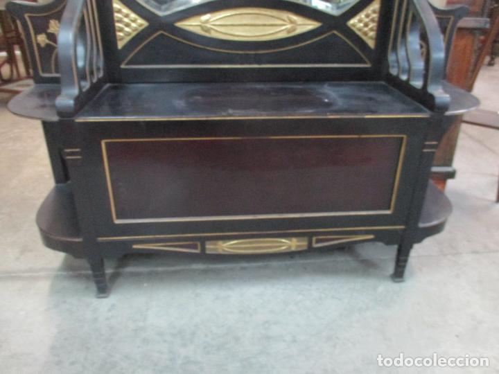 Antigüedades: Mueble Recibidor Modernista - Joan Busquets - Banco, Consola - Madera de Caoba Dorada - Gran Espejo - Foto 8 - 139784326