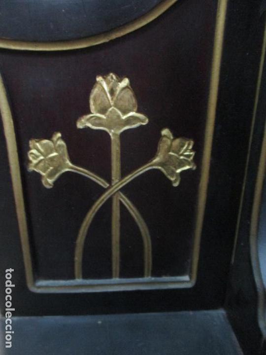 Antigüedades: Mueble Recibidor Modernista - Joan Busquets - Banco, Consola - Madera de Caoba Dorada - Gran Espejo - Foto 9 - 139784326