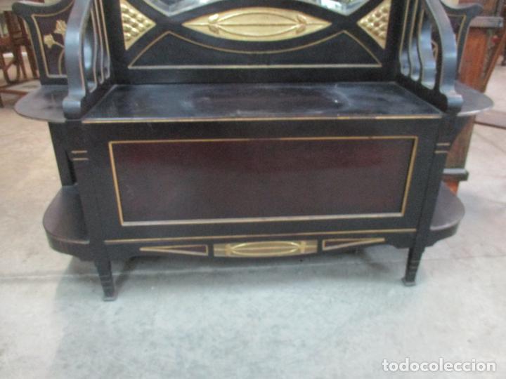 Antigüedades: Mueble Recibidor Modernista - Joan Busquets - Banco, Consola - Madera de Caoba Dorada - Gran Espejo - Foto 11 - 139784326