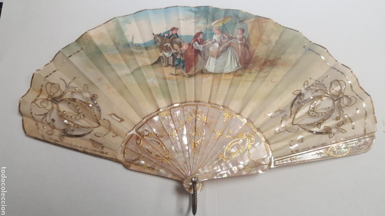 ABANICO PINTADO Y FIRMADO S.XIX VARILLAJE EN NACAR Y ENCAJE. (Antigüedades - Moda - Abanicos Antiguos)
