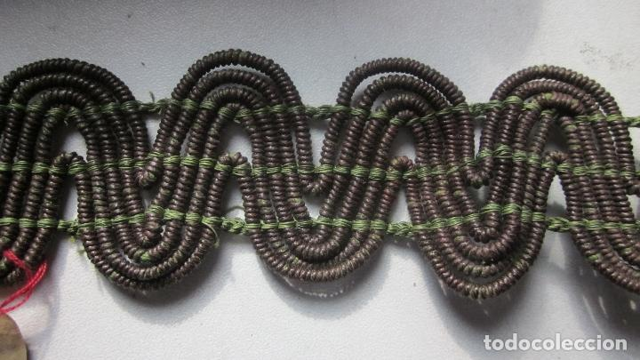 Antigüedades: 37 Mts de pasamaneria gruesa color marrón - Foto 2 - 139792246
