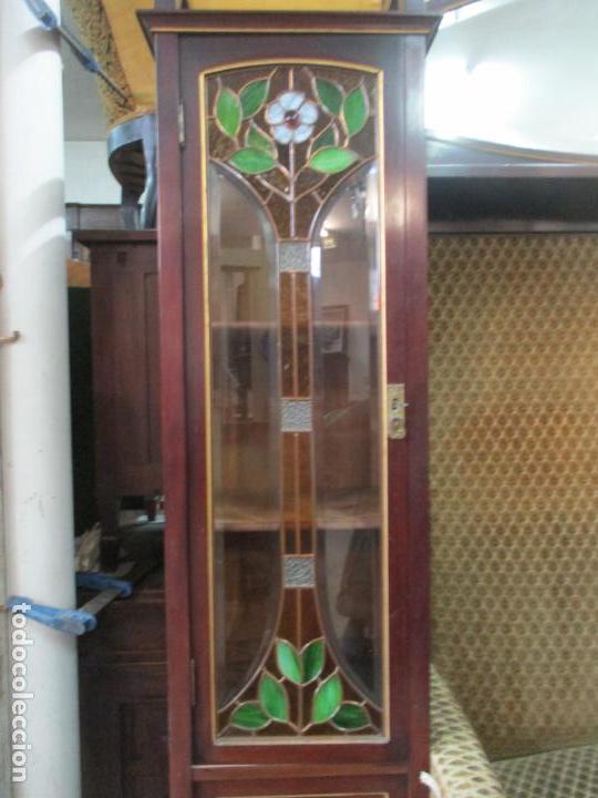 Antigüedades: Curioso Mueble Modernista - Joan Busquets - Sofá, Pareja de Vitrinas y Espejo - Madera de Caoba - Foto 8 - 139889778