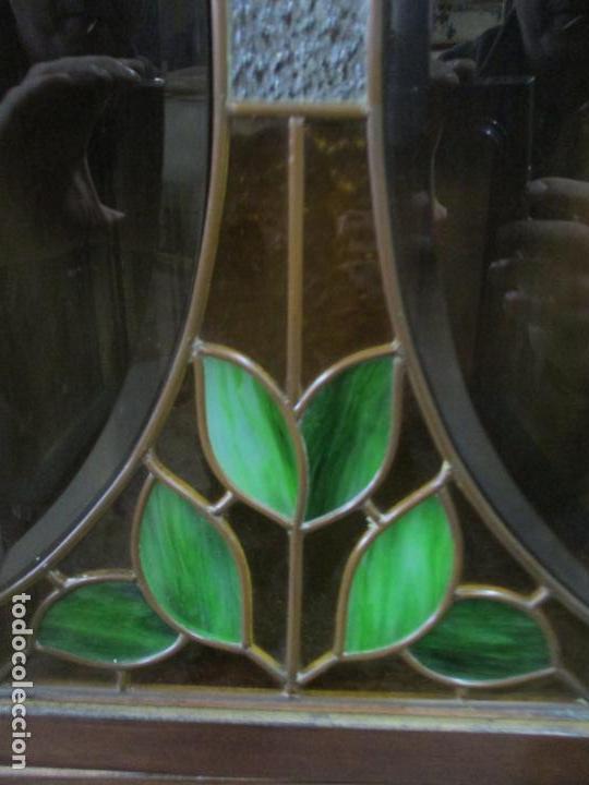 Antigüedades: Curioso Mueble Modernista - Joan Busquets - Sofá, Pareja de Vitrinas y Espejo - Madera de Caoba - Foto 9 - 139889778