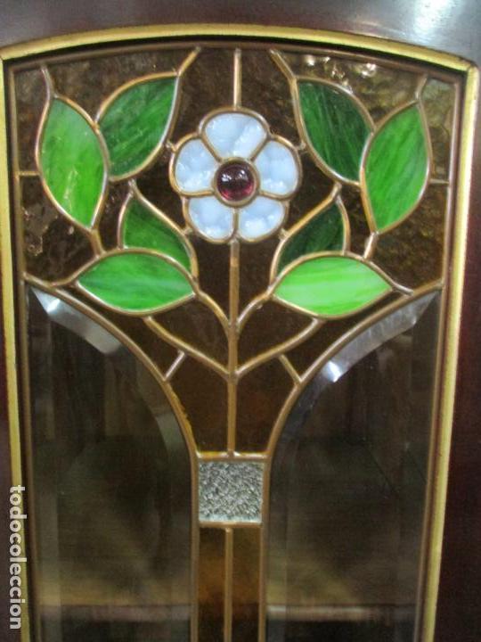 Antigüedades: Curioso Mueble Modernista - Joan Busquets - Sofá, Pareja de Vitrinas y Espejo - Madera de Caoba - Foto 11 - 139889778