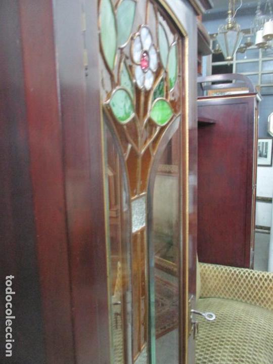Antigüedades: Curioso Mueble Modernista - Joan Busquets - Sofá, Pareja de Vitrinas y Espejo - Madera de Caoba - Foto 12 - 139889778