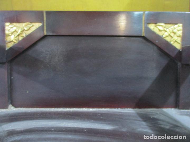 Antigüedades: Curioso Mueble Modernista - Joan Busquets - Sofá, Pareja de Vitrinas y Espejo - Madera de Caoba - Foto 18 - 139889778