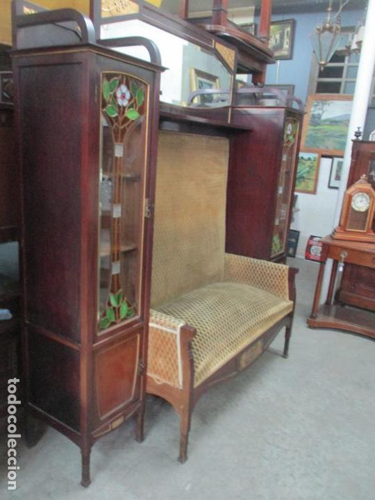 Antigüedades: Curioso Mueble Modernista - Joan Busquets - Sofá, Pareja de Vitrinas y Espejo - Madera de Caoba - Foto 20 - 139889778
