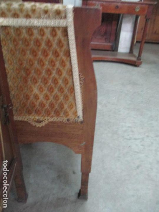 Antigüedades: Curioso Mueble Modernista - Joan Busquets - Sofá, Pareja de Vitrinas y Espejo - Madera de Caoba - Foto 26 - 139889778