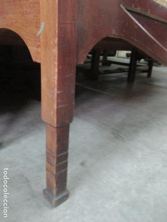 Antigüedades: Curioso Mueble Modernista - Joan Busquets - Sofá, Pareja de Vitrinas y Espejo - Madera de Caoba - Foto 34 - 139889778