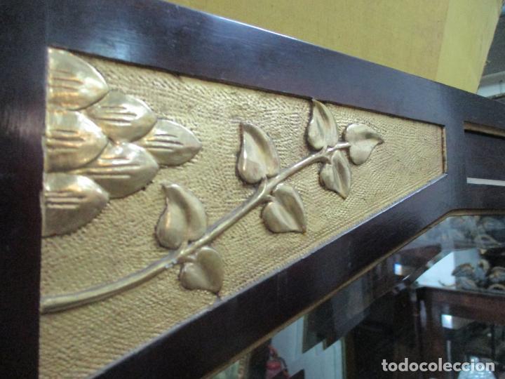 Antigüedades: Curioso Mueble Modernista - Joan Busquets - Sofá, Pareja de Vitrinas y Espejo - Madera de Caoba - Foto 41 - 139889778