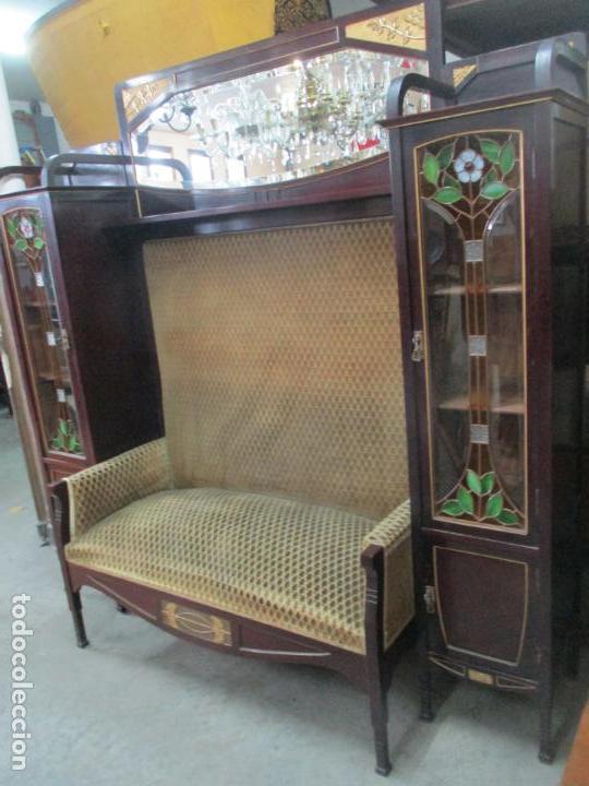 Antigüedades: Curioso Mueble Modernista - Joan Busquets - Sofá, Pareja de Vitrinas y Espejo - Madera de Caoba - Foto 45 - 139889778