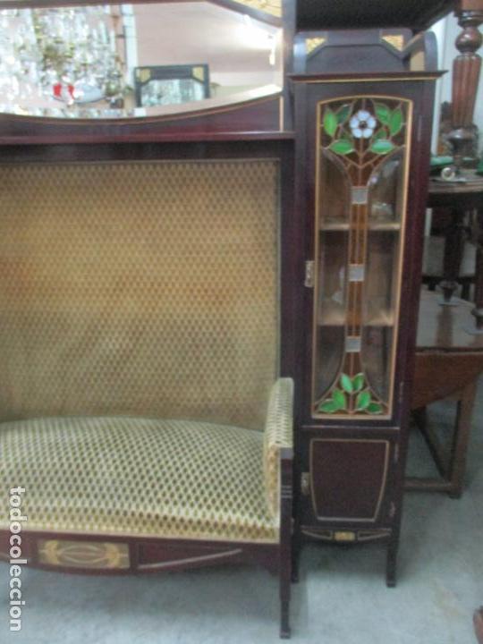 Antigüedades: Curioso Mueble Modernista - Joan Busquets - Sofá, Pareja de Vitrinas y Espejo - Madera de Caoba - Foto 46 - 139889778
