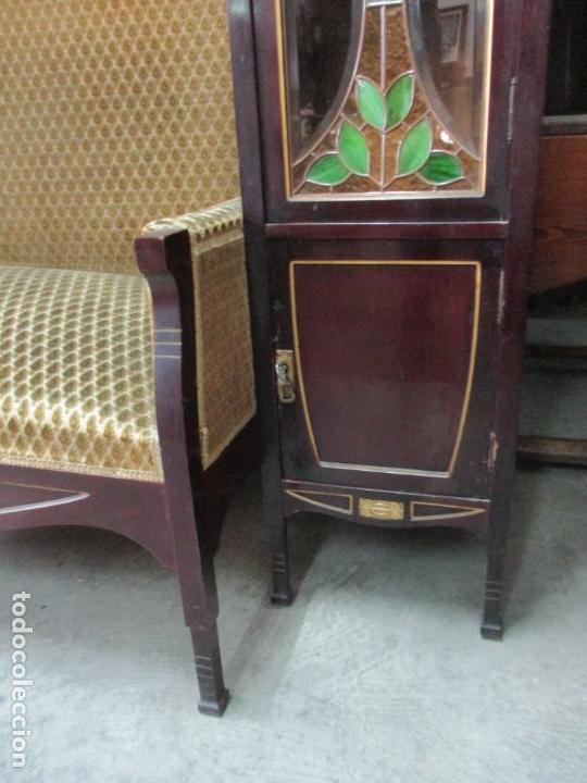 Antigüedades: Curioso Mueble Modernista - Joan Busquets - Sofá, Pareja de Vitrinas y Espejo - Madera de Caoba - Foto 47 - 139889778