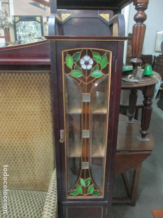 Antigüedades: Curioso Mueble Modernista - Joan Busquets - Sofá, Pareja de Vitrinas y Espejo - Madera de Caoba - Foto 48 - 139889778