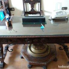 Antigüedades: DESPACHO CON MUEBLES DE MADERA ESTILO CASTELLANO AÑOS 30. Lote 139906554