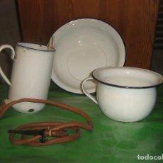 Antigüedades: LOTE DE ORINAL, IRRIGADOR Y PALANCANA DE PORCELANA ESMALTADA. Lote 139930890