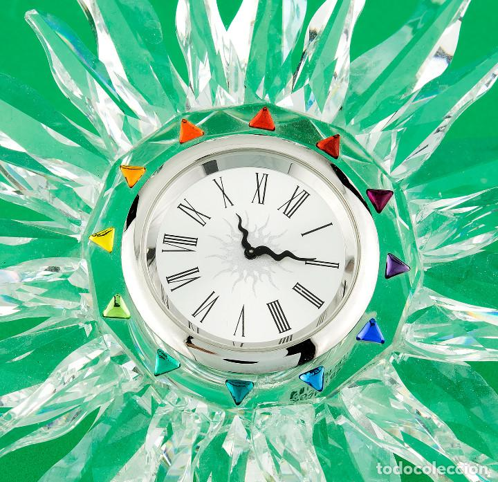Antigüedades: Swarovski con Diseño de Reloj Sol con Los Colores del Arco Iris - Foto 2 - 139931350
