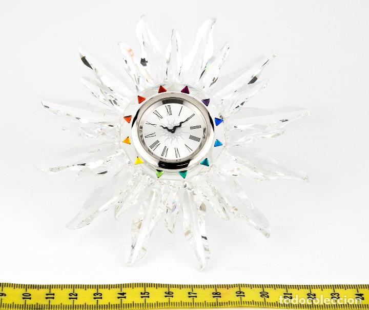 Antigüedades: Swarovski con Diseño de Reloj Sol con Los Colores del Arco Iris - Foto 8 - 139931350