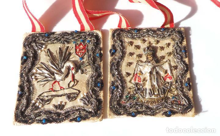 Antigüedades: Escapulario finales siglo XVIII ppios XIX bordado a mano con hilo de oro. perfecto estado - Foto 3 - 139951166
