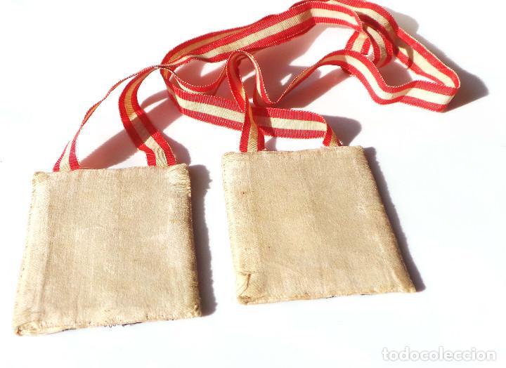 Antigüedades: Escapulario finales siglo XVIII ppios XIX bordado a mano con hilo de oro. perfecto estado - Foto 5 - 139951166