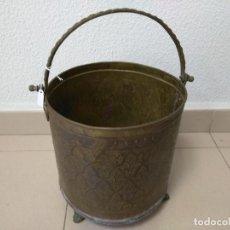 Antigüedades: ANTIGUO MACETERO COBRE CON GRABADOS Y PATINA. Lote 139951846