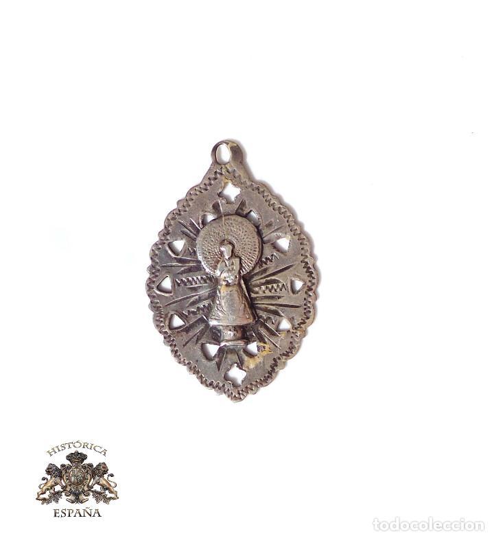 MEDALLA DE PLATA NUESTRA SEÑORA DEL PILAR.- 3,2 CM ALTO (Antigüedades - Religiosas - Medallas Antiguas)