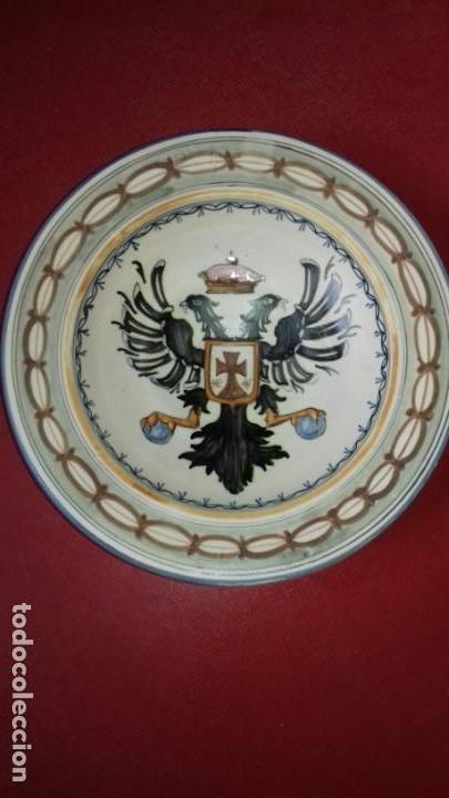 Antigüedades: PLATO DE TALAVERA - ÁGUILA BICÉFALA - ÓRDENES MONÁSTICAS ESCUDO CARMELITAS - SELLO-DEDICADO-FIRMADO - Foto 4 - 139964598