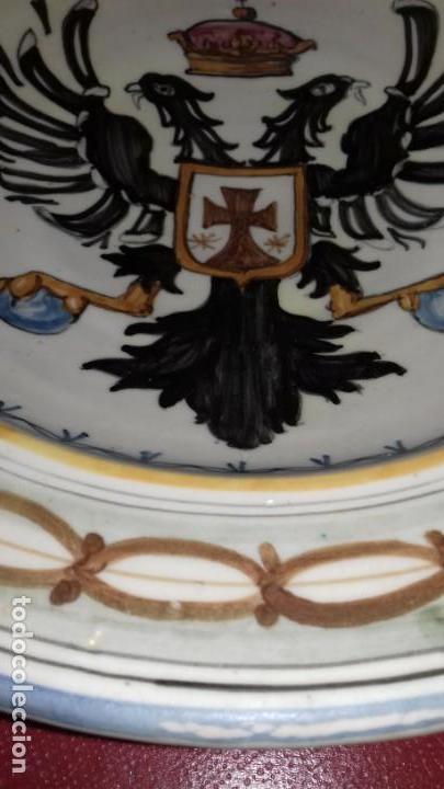 Antigüedades: PLATO DE TALAVERA - ÁGUILA BICÉFALA - ÓRDENES MONÁSTICAS ESCUDO CARMELITAS - SELLO-DEDICADO-FIRMADO - Foto 5 - 139964598