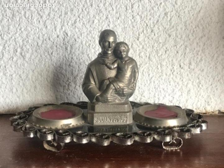 HACHERO DE ALTAR DE SAN JUAN DE DIOS 1950'S. (Antigüedades - Religiosas - Ornamentos Antiguos)