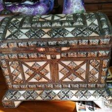 Antigüedades: COFRE DE HUESO Y ALPACA.. Lote 139989050