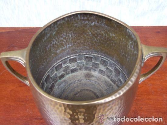 Antigüedades: JARRON, CENTRO MODERNISTA EN BRONCE - Foto 5 - 140018130