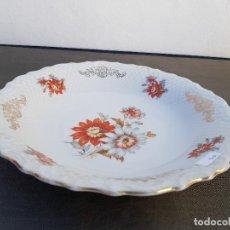 Antigüedades: FUENTE EN PORCELANA DE BAVARIA SELLADO. Lote 140026106