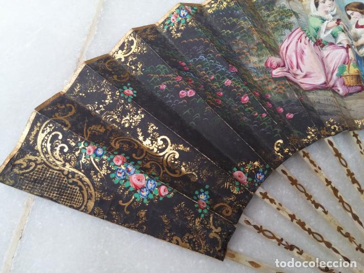 Antigüedades: Antiguo abanico Siglo XIX varillaje de Nácar pintado a mano - Foto 6 - 140029794