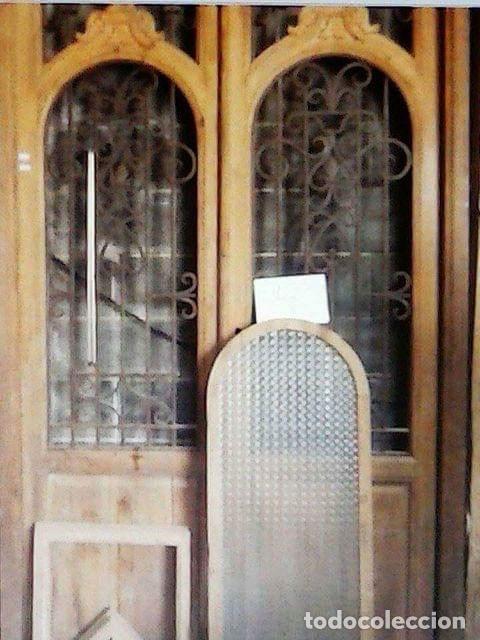 Antigüedades: PUERTA ANTIGUA DOBLE HOJA MODERNISTA - Foto 2 - 140054238