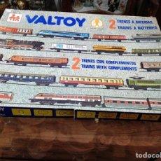 Trenes Escala: 2 TRENES A BATERÍA VALTOY, 39 COMPLEMENTOS, PACK COMPLETO Y FUNCIONANDO. CAJA ORIGINAL. Lote 140080930