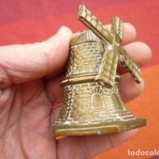 Antigüedades: CAMPANADE BRONCE EN FORMA DE MOLINO ASPAS MÓVILES, BADAJO DE BRONCE. Lote 140112342