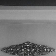 Antigüedades: BELLISIMO BROCHE ART NOVEAU CIRCONITAS Y HOJAS.UNA BELLEZA! IDEAL TRAJE REGIONAL.GRANDE. Lote 140126241