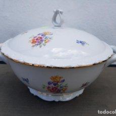 Antigüedades: SOPERA EN PORCELANA ALEMANA. Lote 140132158